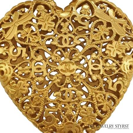 Vintage Chanel Heart Pendant Necklace Close-up
