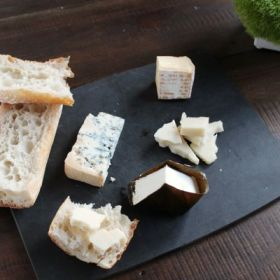 How To Put Together A Cheese Board