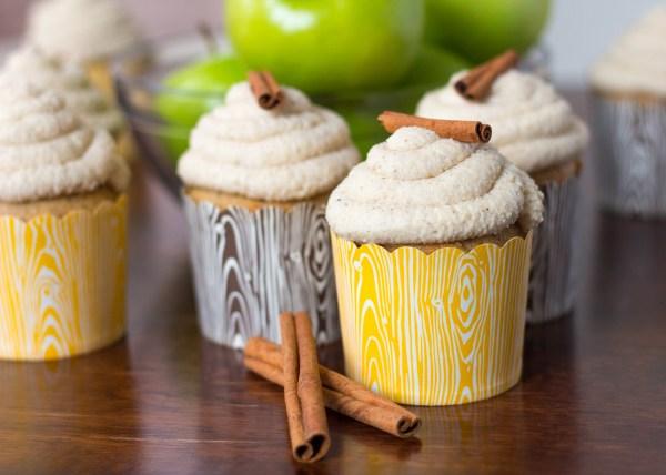 Vanilla Apple Chai Cupcakes