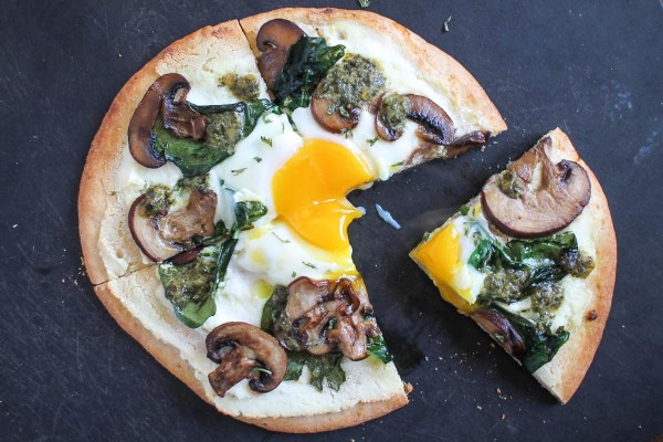 Breakfast Pita Pizza-5