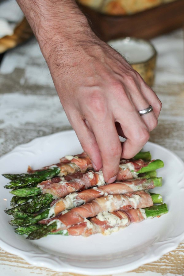 prosciutto-and-asparagus-roll-ups-3