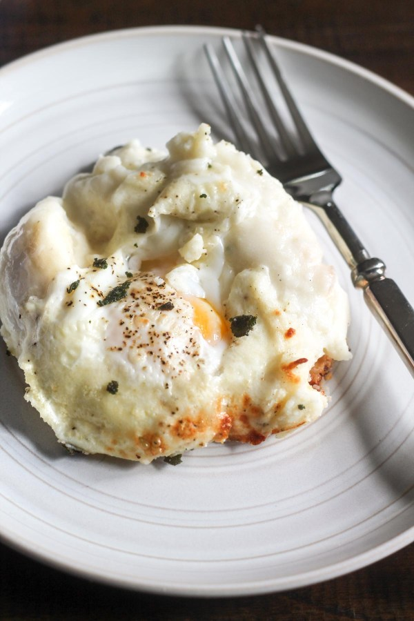 eggs-baked-in-mashed-potatoes-4