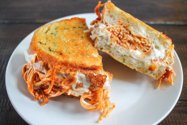 spaghetti-grilled-cheese-4