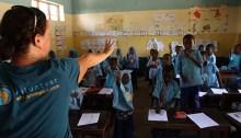 Des bénévoles en classe. \ Photo de DR