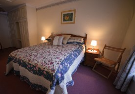 postmans-perch-family-room-double-bed-leap-inn