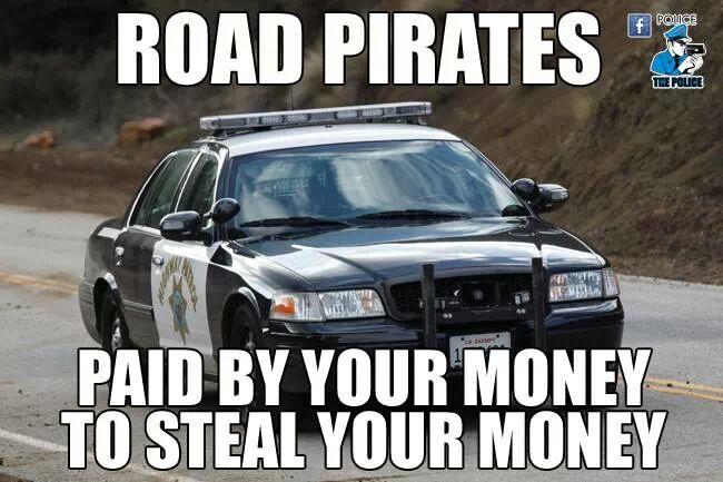 road_pirates_police[1]