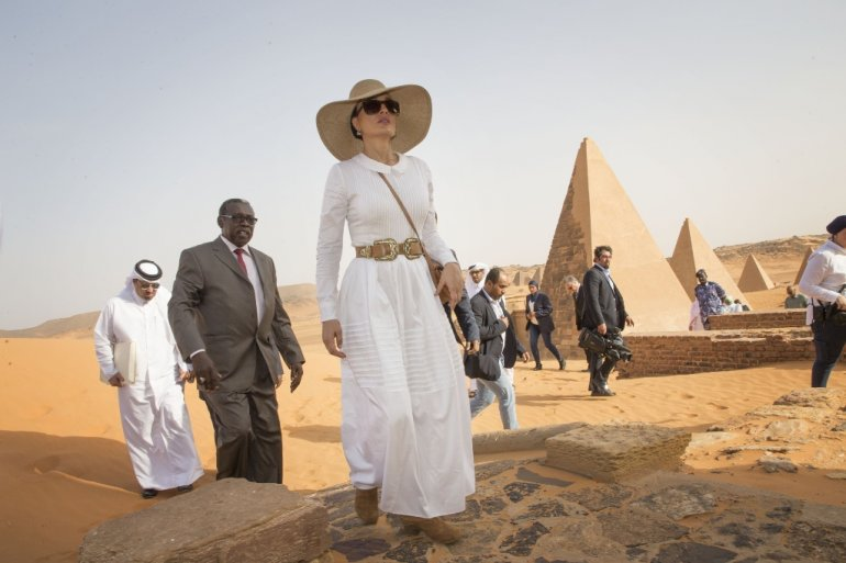 Princess Sheikha Mozah bint Nasser in Sudan, March 2017 - The Peninsula
