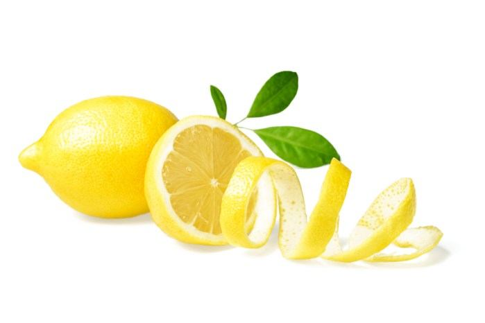 use lemon peels for beautiful lashes