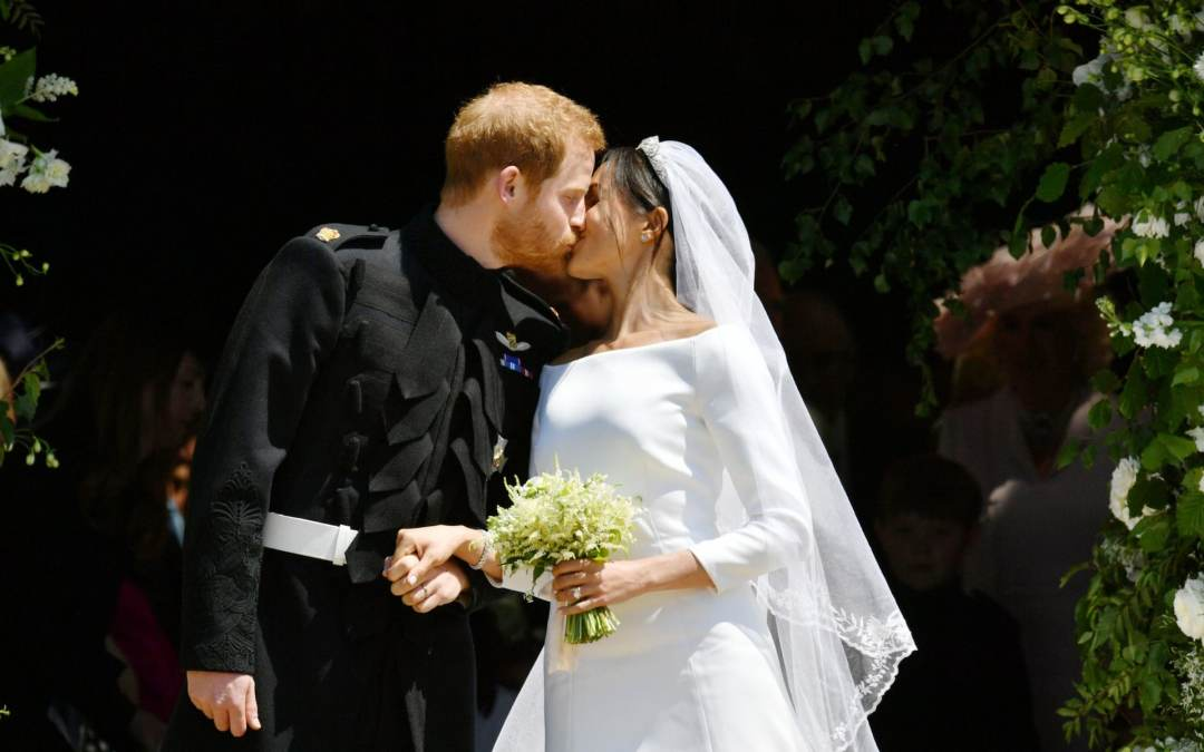 Prince Harry and Meghan Markle kiss - Telegraph