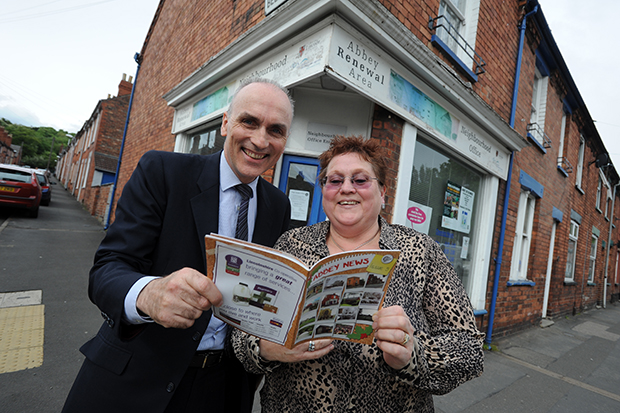 Chris Williamson visits Belmont Street Office with local resident, Annie Brown. Photo: Stuart Wilde Photography Ltd