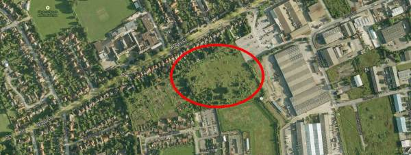 The city farm would use a field wedged between allotments, a supermarket and the back of Lincoln Prison. Map data: Google Maps