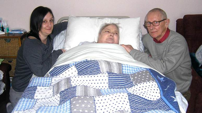 Jane Lowe (left) with her mother Shirley Farquhar, who suffers from a brain tumour, and her father, George Farquhar.