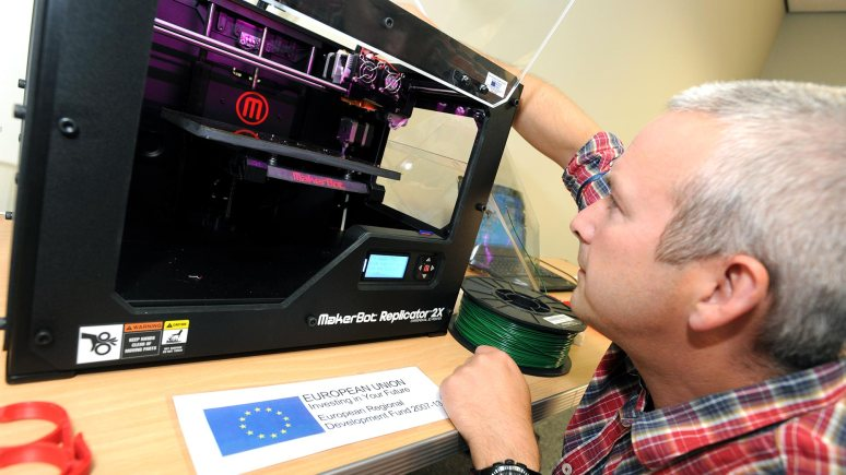 The latest round of funding for the Onlincolnshire project will help businesses access free cutting-edge equipment such as 3D printers through Lincolnshire Technology Hubs, one of which will open in Lincoln later this spring.