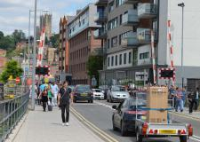 Brayford-level-crossing