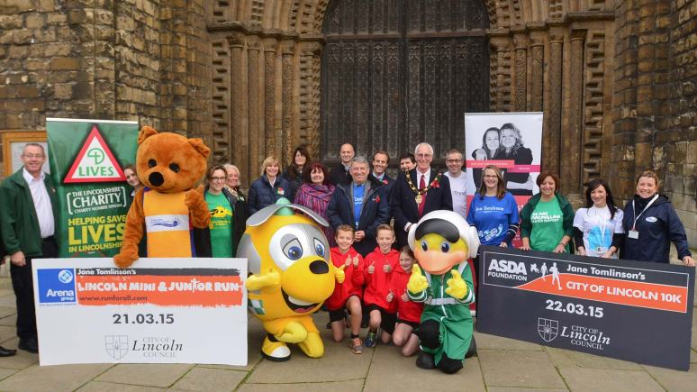 Former England football manager Graham Taylor (centre) launched the new Asda Foundation Lincoln 10K.Photo: Steve Smailes for The Lincolnite