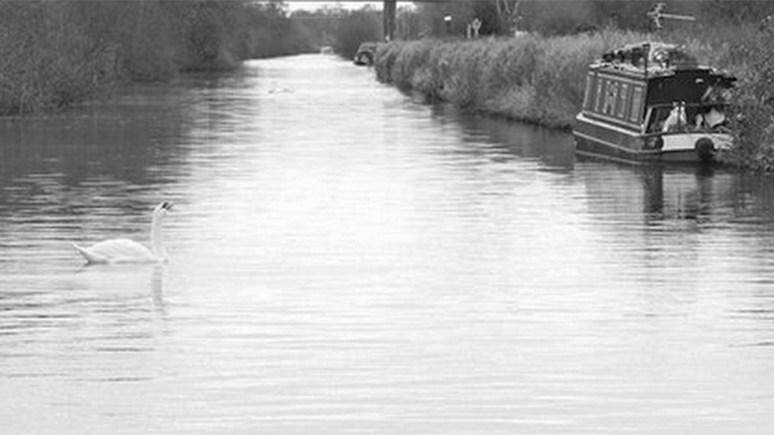 Fossdyke Canal, Lincoln. Photo: Richard Croft