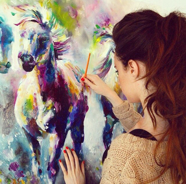 Katy has a unique and recognisable painting style.