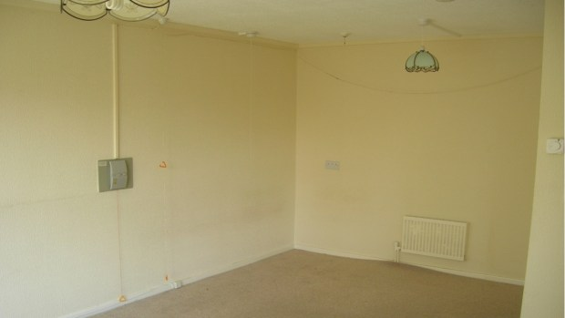 livingroom-before