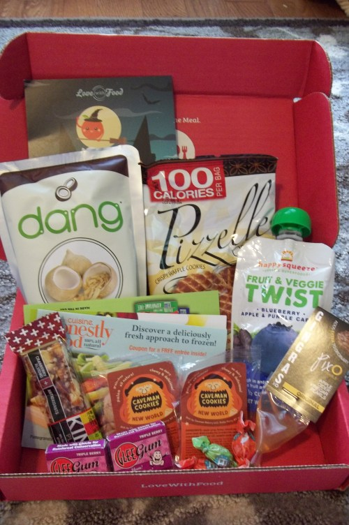 Love With Food {October} Box Review   ||   See the review at thelittledabbler.com
