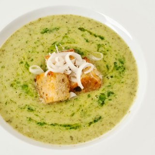 Creamy Romaine Soup with Herb Butter & Garlic Croutons