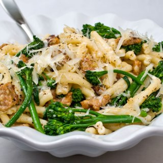 Strozzapreti Pasta with Spicy Italian Sausage, Broccolini & Garlic Crema