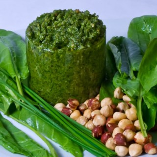 Spicy Sorrel Chive Pesto