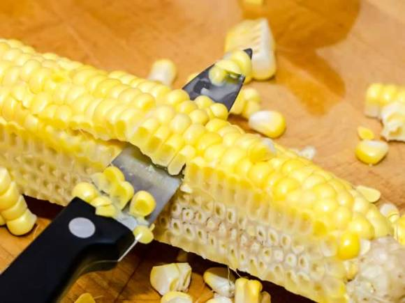Cutting Kernels from Fresh Corn Sweet Corn & Vanilla Bean Ice Cream