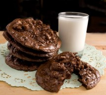Bittersweet Chocolate and Toasted Walnut Cookies Perfecta Mundo!