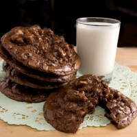 Bittersweet Chocolate & Toasted Walnut Cookies Perfecta Mundo!