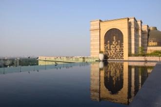Leela Palace New Delhi - Rooftop infinity pool
