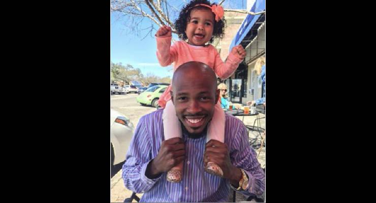 single-dad-christopher-emmanuel-daughter-skylar-headline