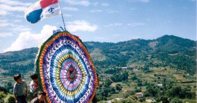 santiago-kites-guatemala-festival
