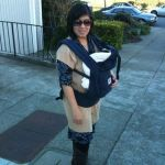 Mom Street Style: Viani's Sophisticated Babywearing Outfits