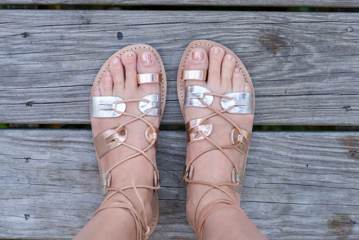 meraki-greek-sandals-metallic-glitter-nailpolish-1