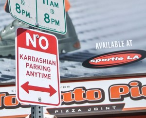 no_kardashain_parking_signs1