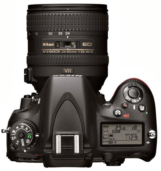 Nikon D8000
