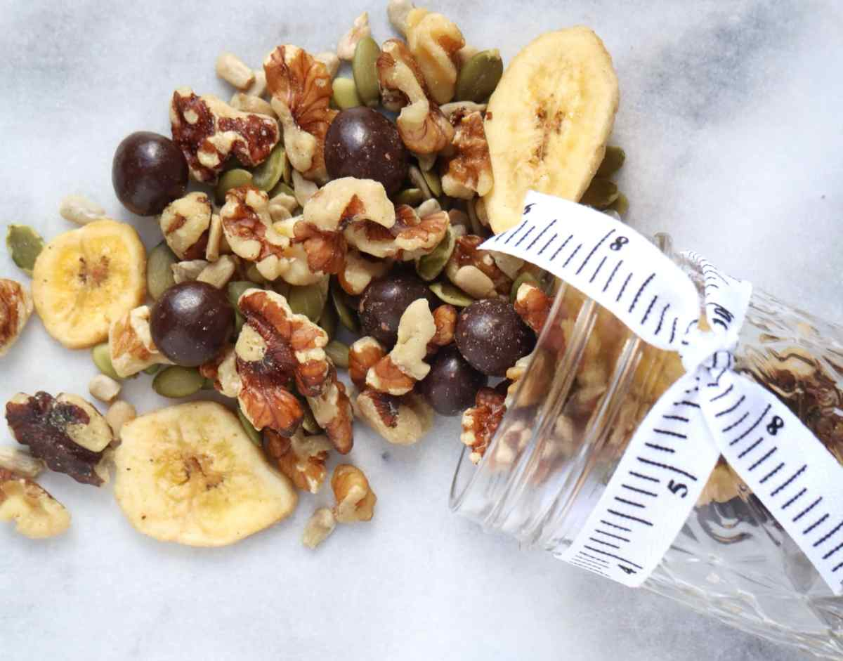 How to Make Healthy Trail Mix + Sprouts Farmers Market