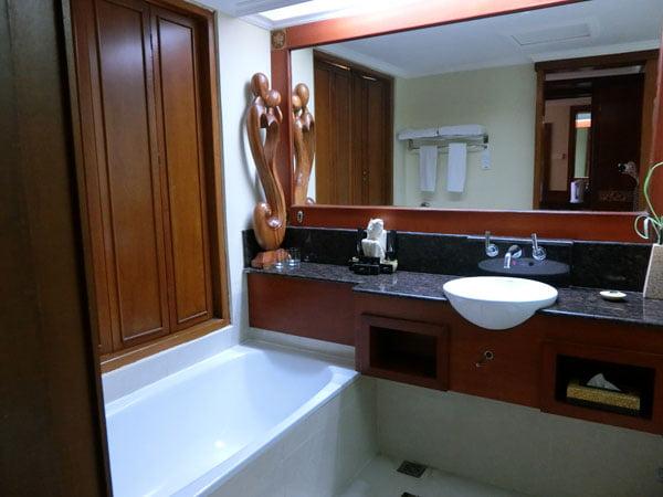 Bali Grand Mirage Resort Bathroom