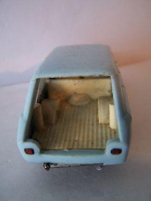 politoys-fiat1300-diecast-plastic-vintage-12531