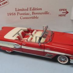 DANBURY MINT 1958 PONTIAC BONNEVILLE RED LIMITED EDITION NIB