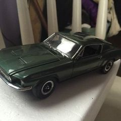 Danbury mint the bull it 1968 Ford Mustang gt die-cast replica