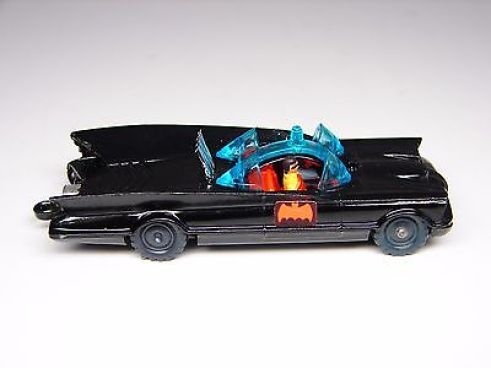 husky-batmobile-die-cast-car-made-in-england-1960s-mint-condition-58959