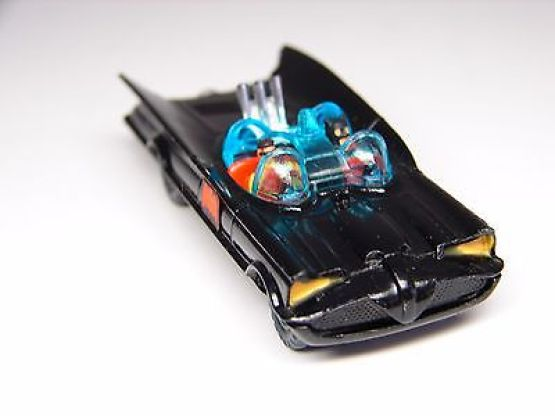 husky-batmobile-die-cast-car-made-in-england-1960s-mint-condition-58960