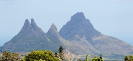 Mauritius can be driven across in less than two hours. Volcanic in origin, it has a very picturesque mountain range which you can see from anywhere on Ile Maurice.