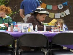 4-08-RISD-grandmother-helps-girls