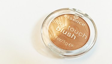 Essense Blush 1