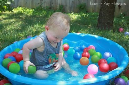 Water Play with Balls for Summer Fun (10)