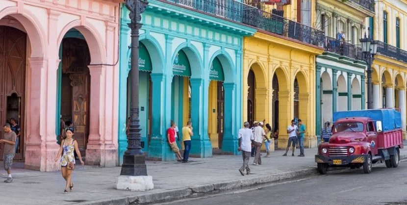 Cuba street scene featured shutterstock 143563039