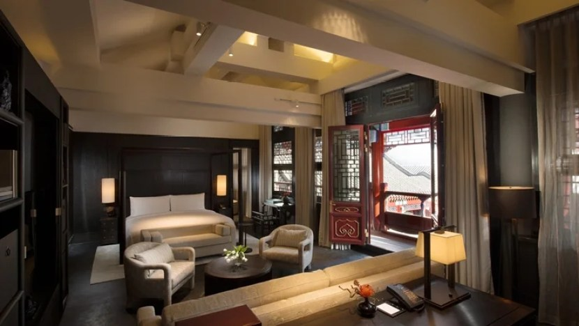 Live it up at the Waldorf Astoria Beijing.