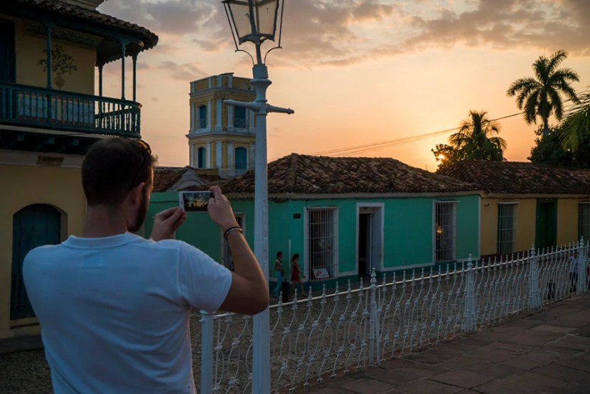 I couldn't stop snapping photos of Cuban architecture!